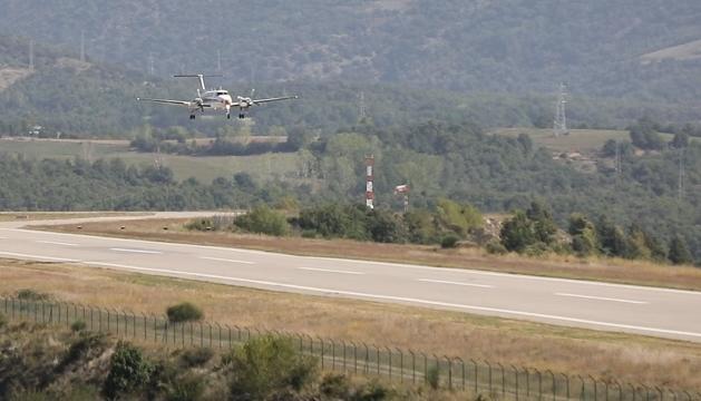 España autoriza los vuelos comerciales en el aeropuerto de la Seu